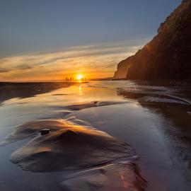 d u s k   m o m e n t by Anupam Hatui - Landscapes Sunsets & Sunrises ( ebach, waterscape, sunset, landscape, westcoast, dusk, new zealand )