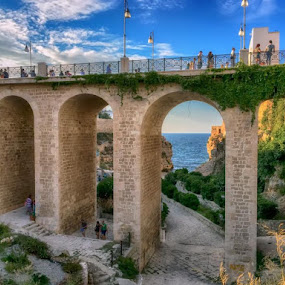 Polignano a Mare - (passeggio sul ponte) by Domenico Liuzzi - Buildings & Architecture Bridges & Suspended Structures