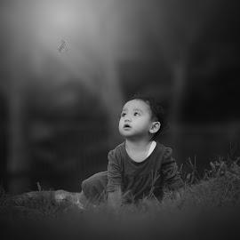 by Rahmat  Fiqih - Black & White Portraits & People ( children portrait, bw, children, kids, children photography, kids portrait )