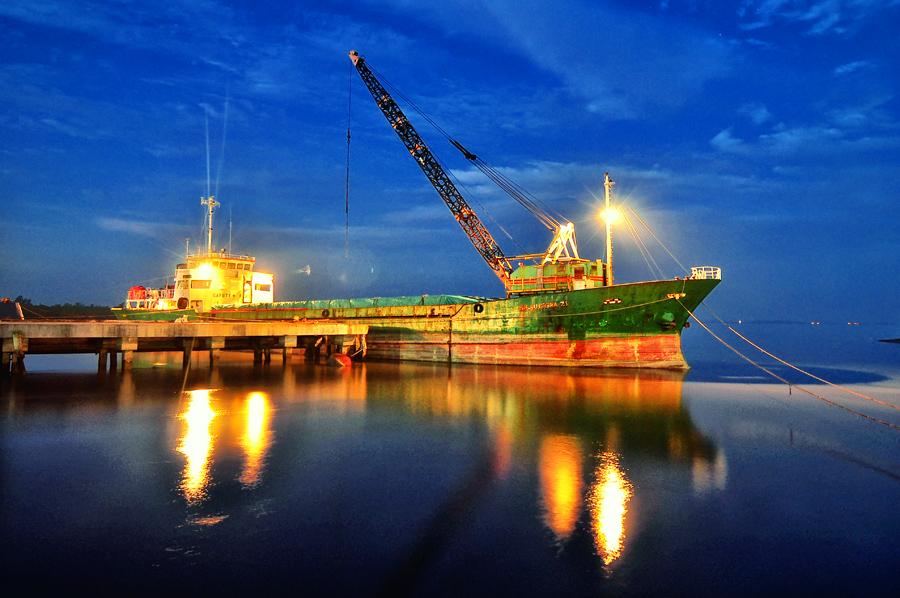 by Tatam Jepreter - Transportation Boats