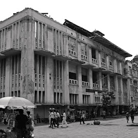 Old Building by Mulawardi Sutanto - Black & White Buildings & Architecture ( history, building, indonesia, jakarta, kota tua, travel )