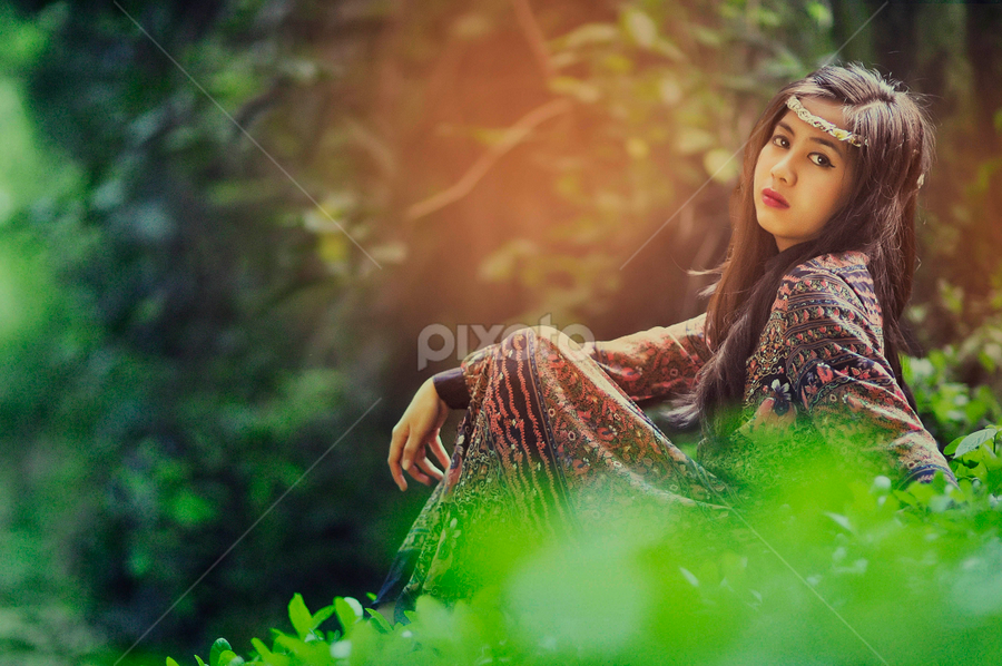 Vanesa by Marlon Guillano - Novices Only Portraits & People