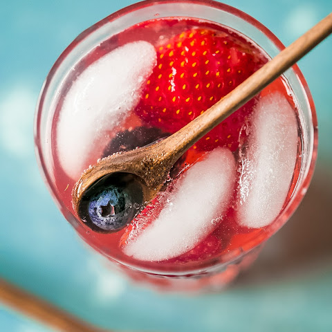 Sparkling Berry Basil Lemonade