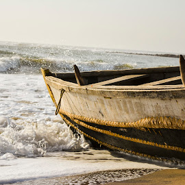 waves hitting boat by Aditya Kodavati - Transportation Boats ( water, waves, nikon, boat, photography )
