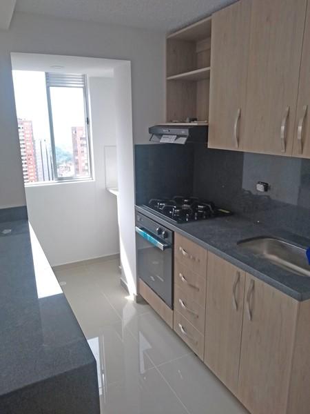 apartamento en arriendo san german 679-16329