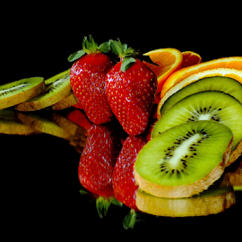 kiwi,orange with strawberry by LADOCKi Elvira - Food & Drink Fruits & Vegetables ( fruits )