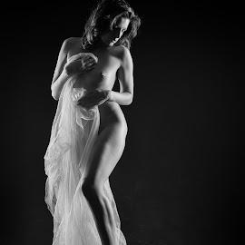 Naked bride by John Einar Sandvand - Nudes & Boudoir Artistic Nude ( ewelll, krakow, artistic nude )
