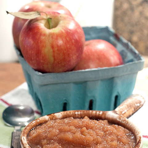 Spiced Applesauce in the Slow Cooker