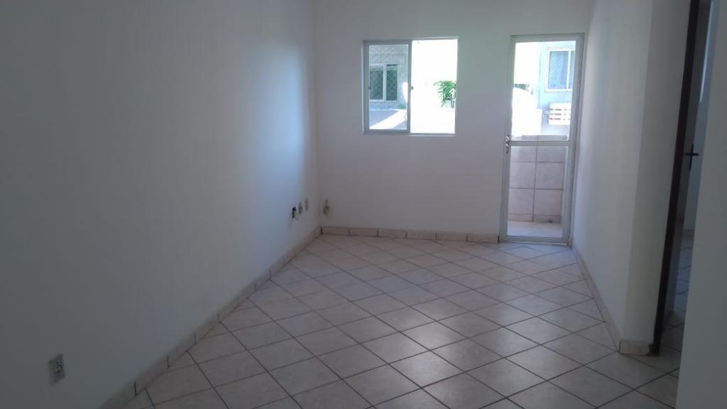 Apartamento com 2 dormitórios para alugar, 74 m² por R$ 650/mês - Bessa - João Pessoa/PB