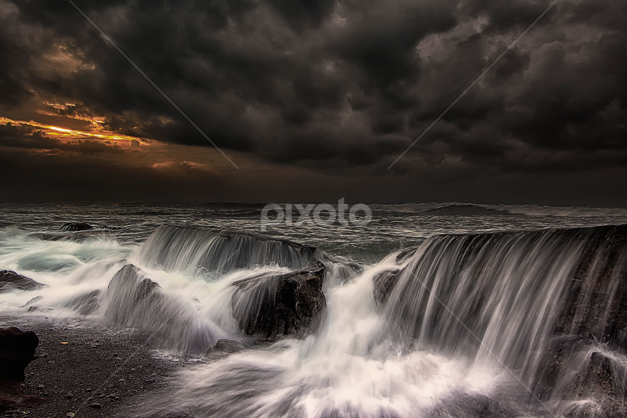 Sunrise vs Storm by Bigg Shangkhala - Landscapes Weather ( bali, waterscape, weather, cloud, pwcstorm, beach, sunrise, landscape, storm, motion, sun )
