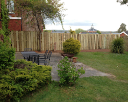 fence build to cover yard in devon