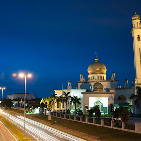 Masjid Al-Ameerah Al-Hajjah Maryam by Rashid Mohamad - Buildings & Architecture Places of Worship ( masjid al-ameerah al-hajjah maryam, light trail, jerudong, night, brunei )