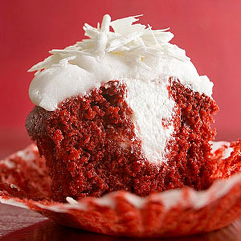 Red Velvet Cupcakes with White Chocolate Filling and Mascarpone Frosting