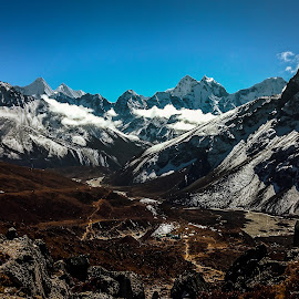 Call of the Mountains by Akashneel Banerjee - Instagram & Mobile Android ( mountain, himalaya, nature, trekking, ebc, hiing )