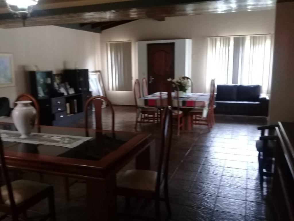 Sensacional residência em  Prainha de Caiobá