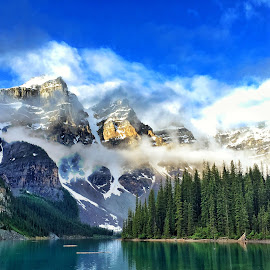 Moraine Lake Banff National Park by Jack Nevitt - Landscapes Mountains & Hills ( national park, lake, banff, moraine )