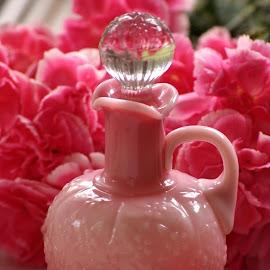 perfume bottle by Brenda Shoemake - Artistic Objects Glass (  )
