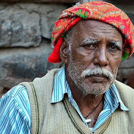 Chhotelal by Prasanta Das - People Portraits of Men ( turban, artisan, portrait )