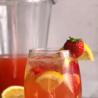 Strawberry Lemonade Wine Spritzer