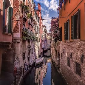 Rio de S. Zanirovo by Ole Steffensen - City,  Street & Park  Historic Districts ( venezia, houses, rio de s. zanirovo, venice, homes, boat, italy, canal,  )