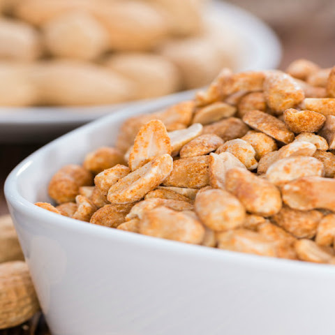 Spicy Roasted Peanuts