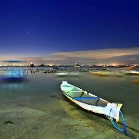 Blue Hours in Lembongan by Alit  Apriyana - Transportation Boats