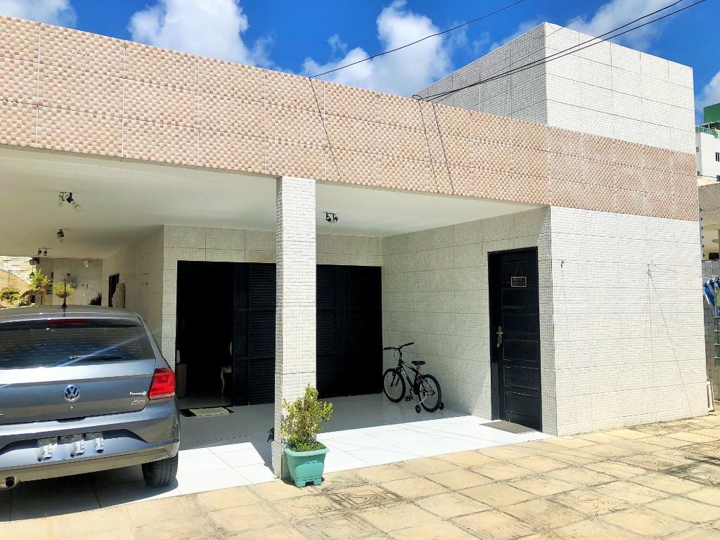 Casa com 3 dormitórios à venda, 180 m² por R$ 750.000 - Bessa - João Pessoa/PB