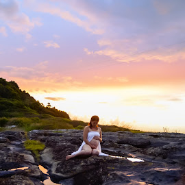 Sunset maternity by Carley Reed - People Maternity ( colour, maternity, sky, serene, sunset, pregnant, vibrant, beach, rocks )