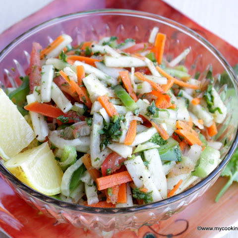 Kachumber – Simple Mixed Vegetable Salad