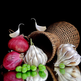 Garlic-onion combo  by Asif Bora - Food & Drink Ingredients