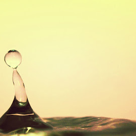 Drop it by Shubh Pallav - Novices Only Abstract