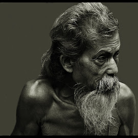 Acharya Mahasay by Prasanta Das - People Portraits of Men ( old, man, portrait )