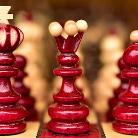 The King And The Queen by Marco Bertamé - Artistic Objects Other Objects ( red, queen, crown, chess, king, cross )