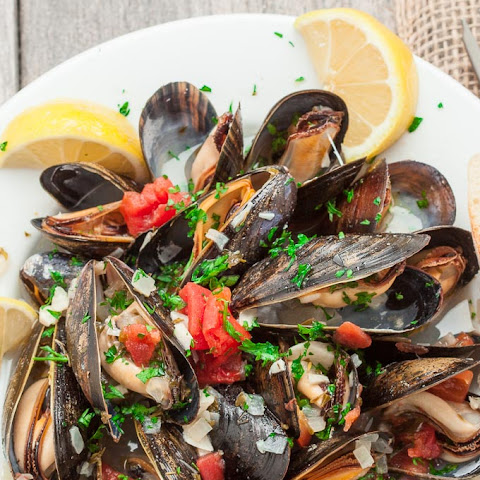 Mussels in Lemon Butter Wine Sauce