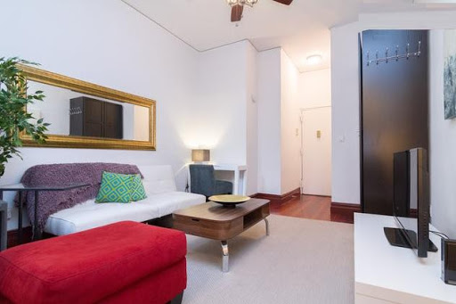 X large 1-bedroom apartment in Chelsea