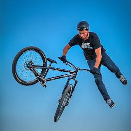 by Dragan Rakocevic - Sports & Fitness Cycling