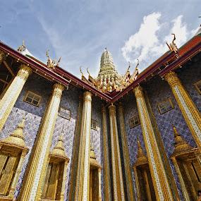 Grand Palace #3 by Mulawardi Sutanto - Buildings & Architecture Statues & Monuments ( bangkok, grand palace, kingdom, thailand, travel )