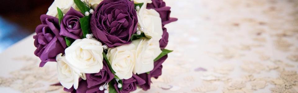Wedding Planner Portsmouth - Wedding Planner Southampton - White and Purple Brides Bouquet