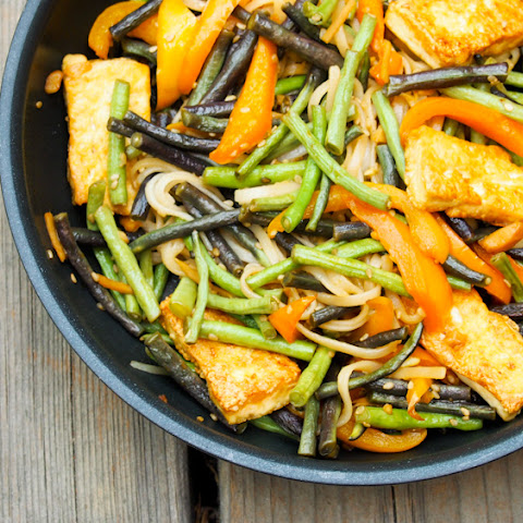 Long Bean Stir-Fry with Tofu and Brown Rice Noodles