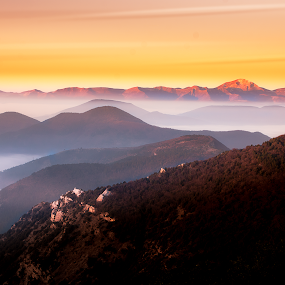 multilevel sunrise  by Lorenzo Moggi - Landscapes Mountains & Hills