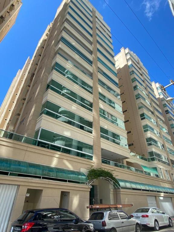 Apartamento com 3 dormitórios à venda, 125 m² por R$ 820.000 - Meia Praia - Itapema/SC