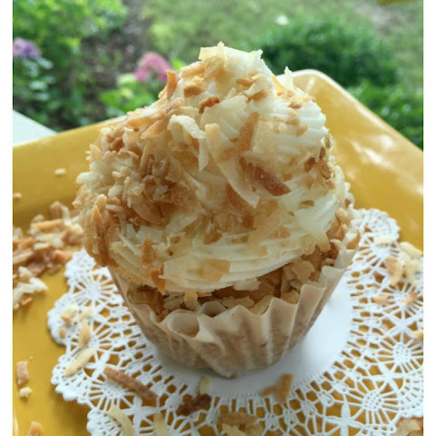 Coconut Cream Cupcakes with Coconut Buttercream Frosting