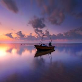 Jukung by Gede Widiarsa - Landscapes Sunsets & Sunrises ( bali, jukung, sanur, sunrise, boat, mertasaribeach )
