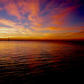 by Hugh McLaren - Landscapes Sunsets & Sunrises