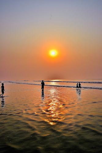 Sun 'n Sea by Abhijit Mukhopadhyay - Landscapes Sunsets & Sunrises