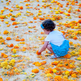 babies,children,flower,orange,valencia by Vito Dell'orto - Babies & Children Babies