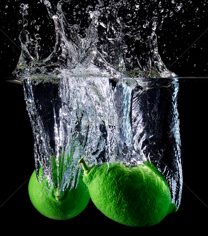 twin drop.. by Pete G. Flores - Food & Drink Fruits & Vegetables ( rounds drinks vitamin, green, strobe otep autofocus clear, drop splash water drop, lemon food vegetables fruits )