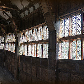 Gallery little Moreton Hall by Caroline Beaumont - Buildings & Architecture Public & Historical ( gallery little moreton hall )