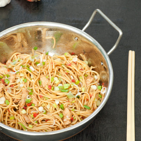 Chicken Chow Mein – Stir fried Noodles the Indo Chinese way