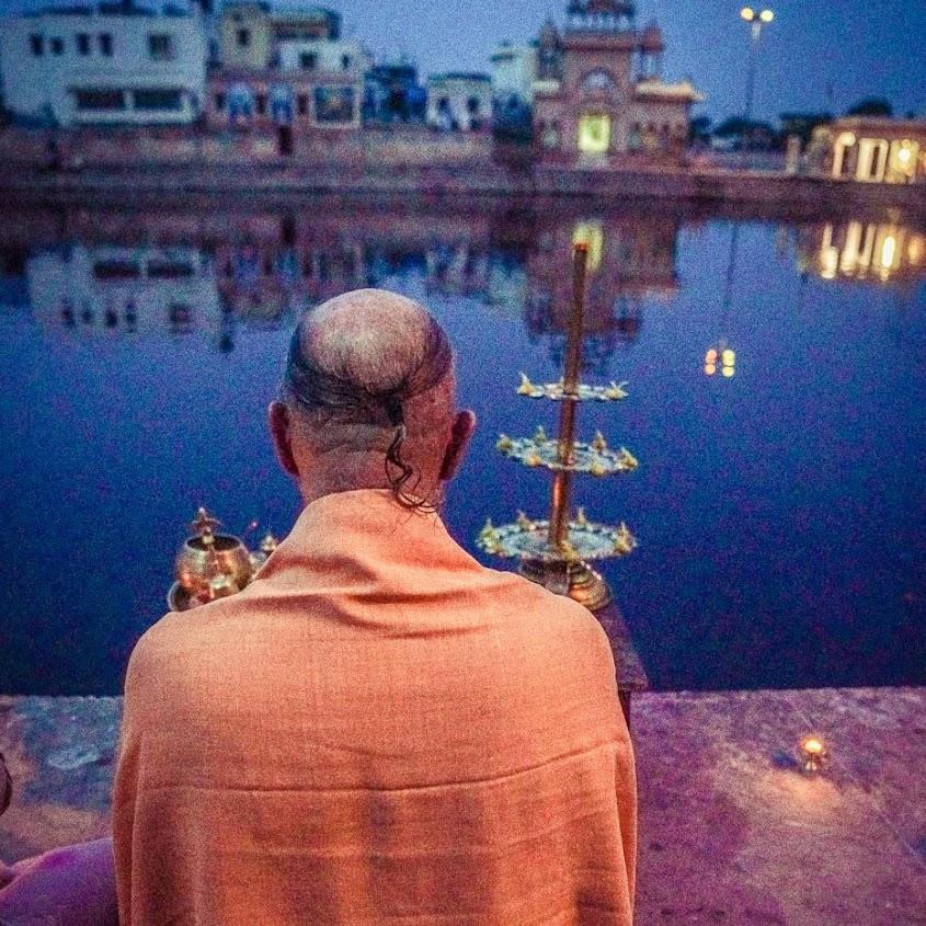 Gurudeva_on_Yamuna